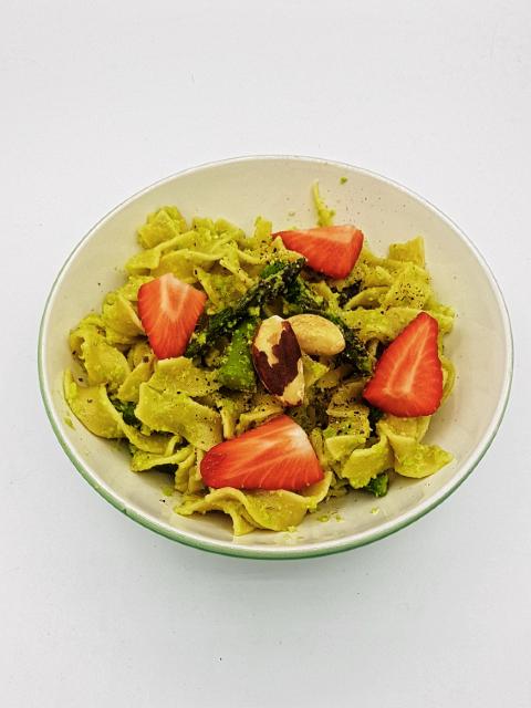 Vegane Pasta mit Spargel